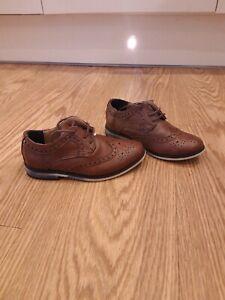 Infants Brogue Shoes, Size 9