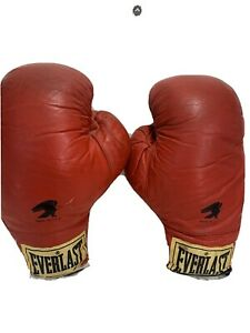Everlast  size 12 Red boxing gloves,