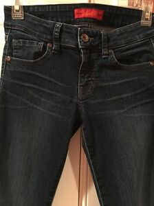 Level 99 Cotton/Poly/Spandex Style Lj2580 Dark Skinny Jean Sz 27