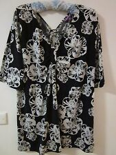 BLACK AND WHITE STRETCH TOP, BY SUZANNEGRAE, SIZE XL [approx 18]