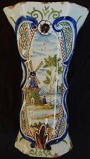 Vase (n°2) (faïence de DELFT / PAYS-BAS) décor Polychrome (MOULIN...) signé