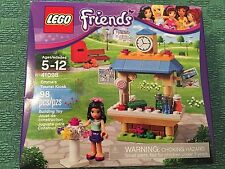Lego Friends 41098 Emma's tourist kiosk roller skates mail newspaper flower