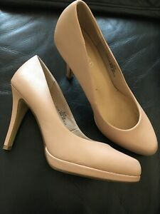 Beige High Heel Limited Edition M&S Shoes Size 6 1/2 Insolia
