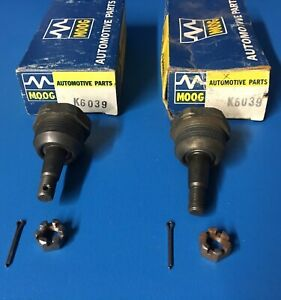 PAIR NOS MOOG 1960 - 69 CHEVROLET CORVAIR LOWER BALL JOINTS MONZA SPYDER