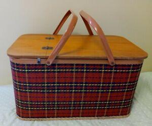 Vintage Redmon Tartan Plaid Picnic Basket With Pie Table Divider & Metal Handles