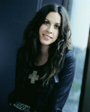 Alanis Morissette UNSIGNED photo - H5350 - Canadian-American singer-songwriter