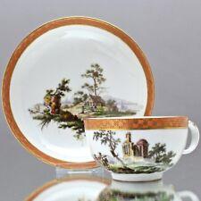 Meissen um 1780: Tasse mit Ruinen und Landschaft, Reiter, Teetasse Marcolini cup