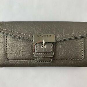 Nine West Medium Wallet Clutch Snap Metallic Grey Faux Leather Casual Outdoor