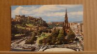 Postcard unposted Edinburgh, Princes street and the Scott monument
