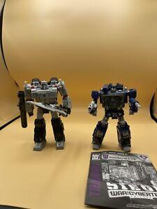 Transformers Siege Soundwave with Siege Megatron