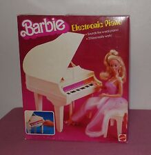 Vintage 1981 Barbie Electronic 21 Key Piano   No. 5085 Contents Sealed!