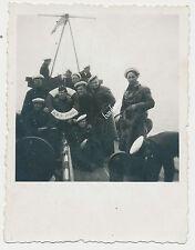 Photo Guerre Marin Marine soldats avec bouée bateau VEDETA vifoaul (z952)