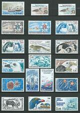 T.A.A.F 1981/88 . Ensemble de 25 timbres Neufs ** (MNH) TOUS DIFFÉRENTS .