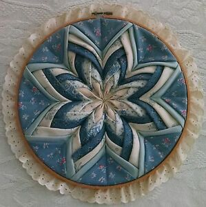 Country Wooden Hoop Framed Folding 'Quilt' Pattern - 8 Petal Flower.