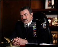 "TOM SELLECK IN THE CBS TV SERIES ""BLUE BLOODS"" - 8X10 PUBLICITY PHOTO (CC589)"