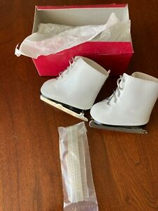 """AMERICAN GIRL 18"""" DOLL FANCY ICE SKATES AND GUARDS WHITE WITH SILVER LACES EUC"""