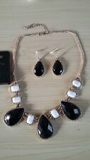 BNWT-3pc Set-Black/Cream Bead on Gold Tone Chain Statement Necklace/Earrings
