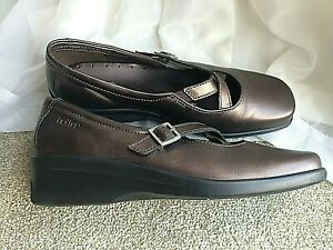Ladies Hotter Melody bronze leather side buckle casual shoes UK 8 EU 41.