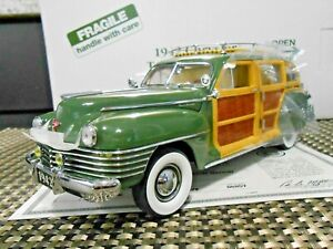 """Danbury Mint 1:24 1942 Chrysler Town and Country """"Polo Green"""" *RARE* W/ Papers!"""