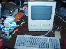 Apple Macintosh Plus M0001A with keyboard and mouse