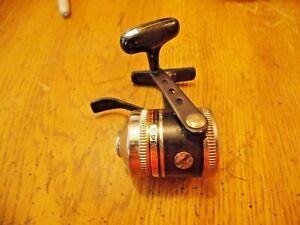 Vintage Zebco Omega 144 Spincast Reel NEAR EXCELLENT NO RESERVE LOOK HERE