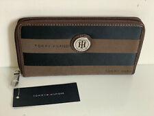 NEW! TOMMY HILFIGER BROWN BLACK ZIP AROUND CLUTCH WALLET PURSE $48 SALE