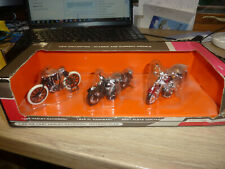 MARKS AND SPENCER 1/24 HARLEY DAVIDSON MOTORCYCLES SET 1903, 1948, 2001