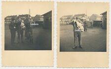 2 x Foto Soldaten  mit dickem Braten-Gans  2.WK  (D678)