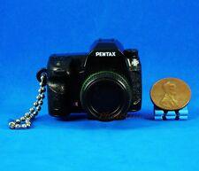 Takara Tomy Pentax Camera Figure Keychain Decoration 1:3 K-5 Black Model A535
