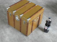 big VINTAGE TRUNK TRAVEL LUGGAGE COFFEE TABLE BLANKET BOX Storage TV STAND retro