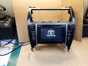 Toyota 86140-06030 AM/FM/CD Touch Navigation Radio 2013-2015 Camry OEM P10068