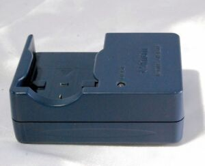 Genuine Canon Battery Charger CB-2LU (9103082) for NB-3L