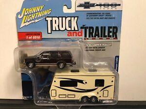 1/64 JOHNNY LIGHTNING TRUCK & TRAILER 1997 CHEVROLET TAHOE & TRAVEL TRAILER
