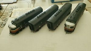 MTH F-3 A-B-B-A SET WITH DCC/SOUND, SHOW LITTLE USE   HO.  FROM ESTATE JL