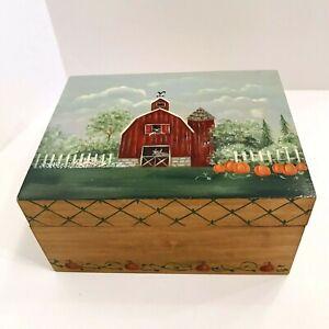 Wood Folk Art Country Barn Farm Hand Painted Box 7.5 x 6 x 4 Hinged Divided