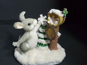 Charming Tails Fitz and Floyd Figurine Sending A Little Snow Your Way