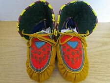 STUNNING FULL BEAD MOCCASINS, 9.5 INCHES, PAW PRINT, AUTHENTIC NATIVE AMERICAN