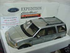 1:18 SCALE SILVER FORD EXPEDITION SPECIAL EDITION EDDIE BAUER