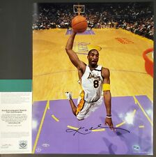 KOBE BRYANT SIGNED LAKERS 16X20 PHOTOGRAPH W/ UPPER DECK AUTHENTICATION