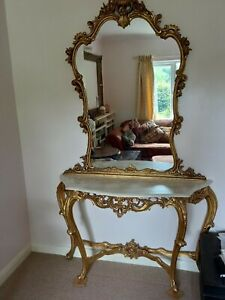 French gilt console table with marble top and mirror - beautiful carved details