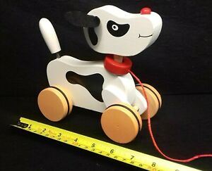 Daft Dog pull along toy with Waggy Tail (Black & White)