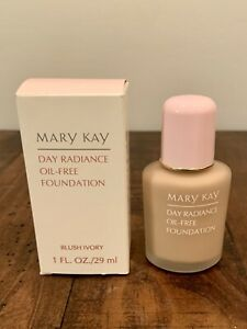 Mary Kay Day Radiance Oil-Free Foundation Blush Ivory 1oz New In Box #6344