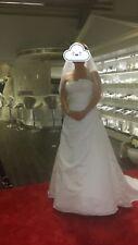 Hochzeitskleid in Reinweiß, Rücken mit Schnürung Gr. 42