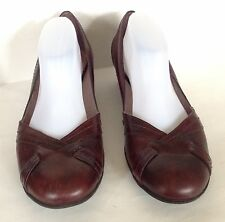 CLARKS Artisan Women BURGUNDY Leather Low Heel Classic Work Pump 11 M