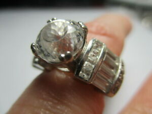 STERLING SILVER 925 ESTATE CUBIC ZIRCONIA WITH ACCENTS ENGAGEMENT RING SIZE 8.5