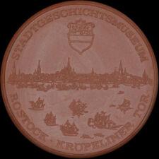 ROSTOCK: Große Porzellan-Medaille 1976. STADTGESCHICHTSMUSEUM KRÖPELINER TOR.