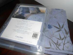 NEW Rare! Set of 2 CALVIN KLEIN BAMBOO FLOWER STANDARD SHAMS