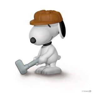 Schleich Peanuts Golfer Snoopy Dog Figure NEW 22077