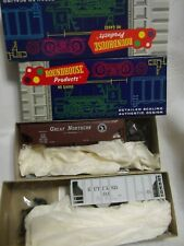 Roundhouse  2 ore cars PC & Canadian Pacific   KITS