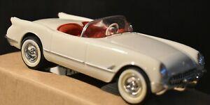 AMT/ERTL - 1953 Chevrolet Corvette Convertible - Polo White #8732